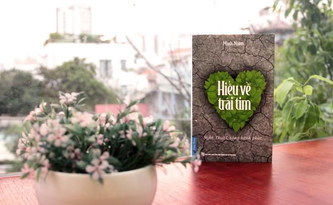"""[Review Sách] """"Hiểu Về Trái Tim"""": Sống Trong Hạnh Phúc Và Yêu Thương"""